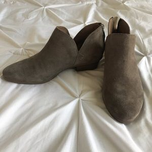 NEW Kenneth Cole Ankle Booties